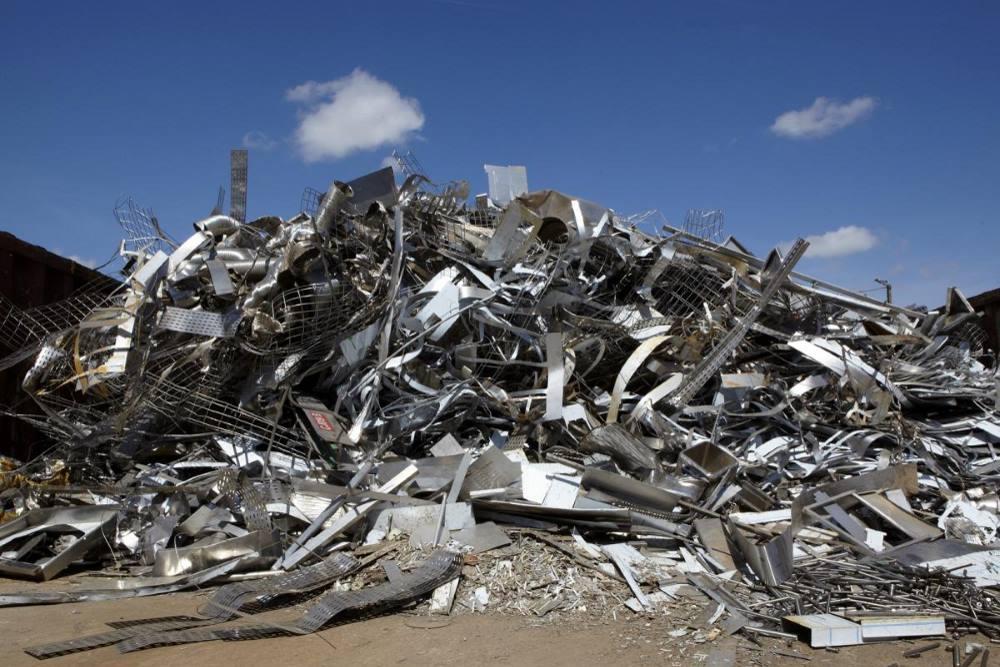 Recyclage et tri des métaux.