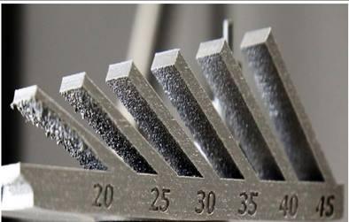 Design de pièce en fabrication additive - éprouvettes d'études de l'angle construction.