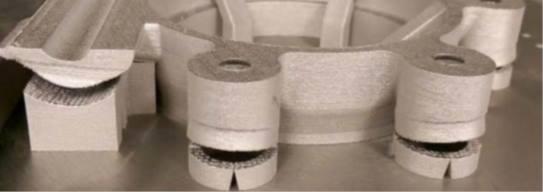 Pièce fissurée en fabrication additive liée à de trop fortes contraintes résiduelles.