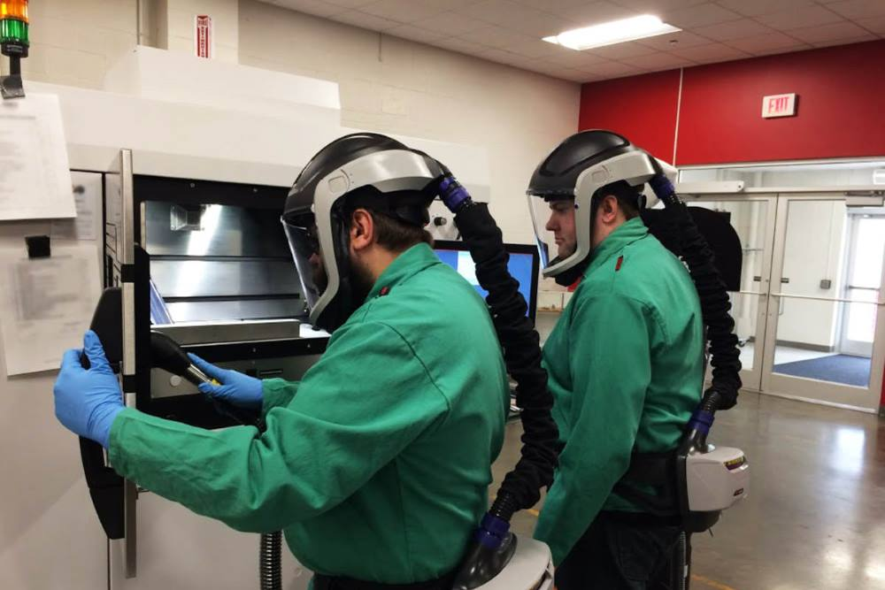 Problématiques HSE - port des protection individuelle en SLM - fabrication additive métallique.