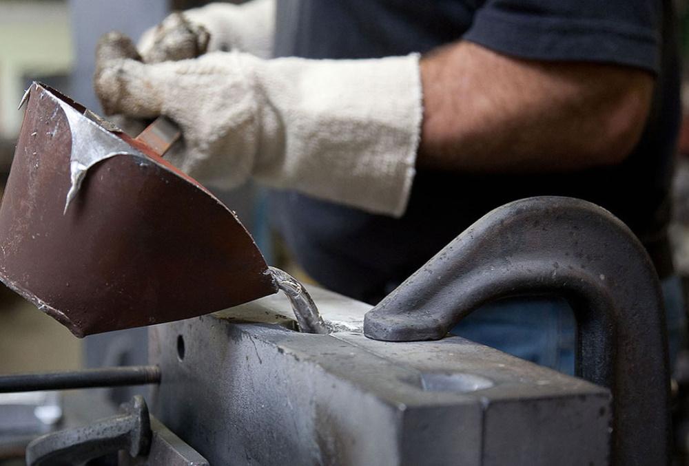 Moulage coquille - coulée d'une pièce en aluminium.