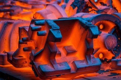 Traitement thermique de l'acier moulé.