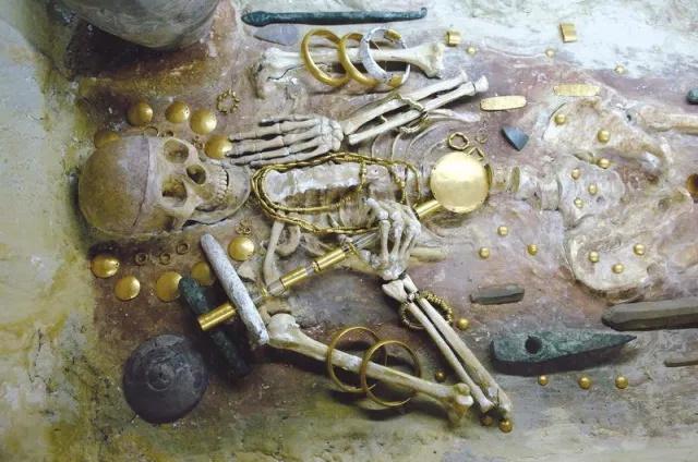 Nécropole de Varna - V millénaire avant notre ère.